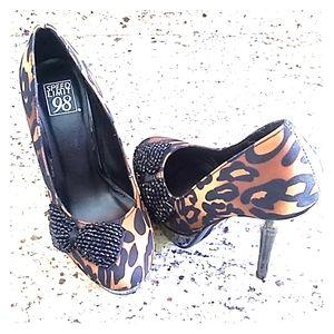 Womens Speed Limit 98 Platform Heel Size 6 1/2